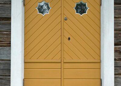 Vi på Wernerssons Snickeri nytillverkar dörrar och fönster i gammal stil för att passa ihop med ditt hus. Kontakta oss så berättar vi mer hur vi arbetar med byggnadsvård på vårt sätt.