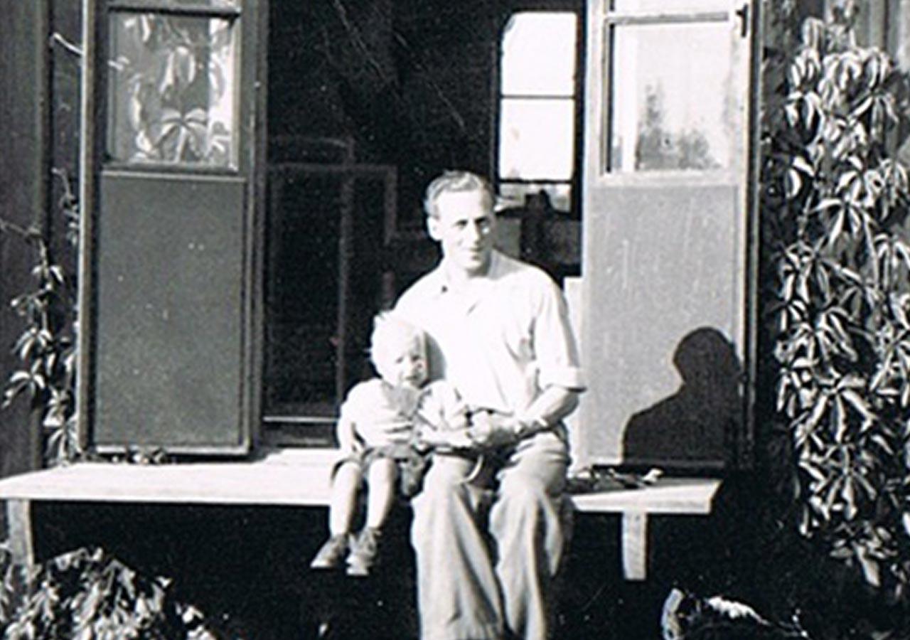 Wernerssons Snickeri har sitt ursprung från 1940-talet då Verner Gustavsson startade Lövstad Snickerifabrik, som är grunden för det som idag är Wernersson Snickeri AB.